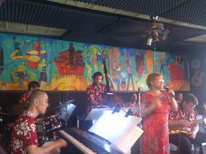 Players Pub: Stardusters little Big Band